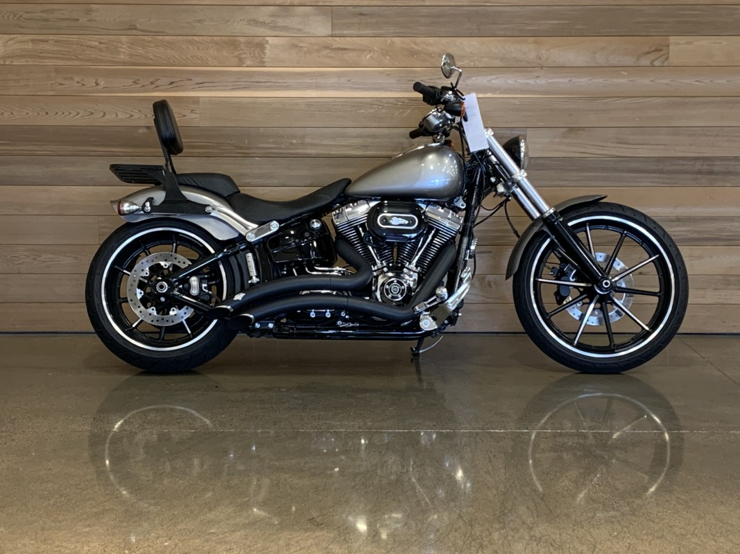 Pre-Owned 2016 Harley-Davidson Breakout FXSB