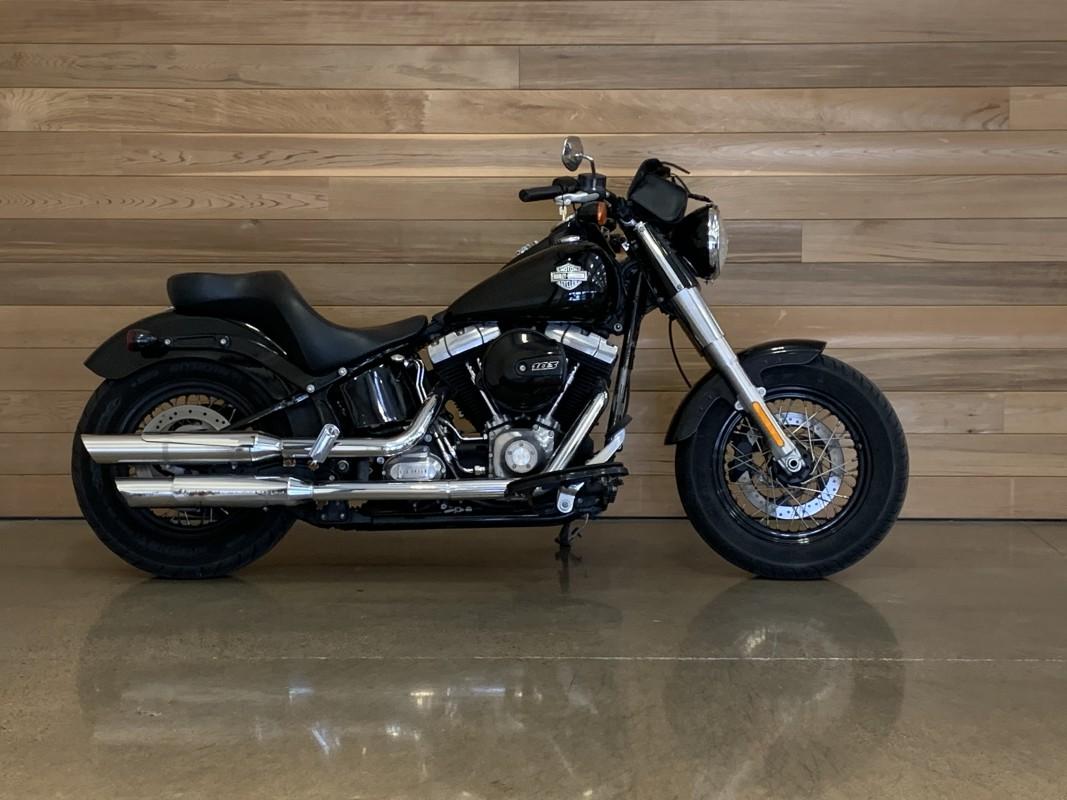 2017 Harley-Davidson Slim