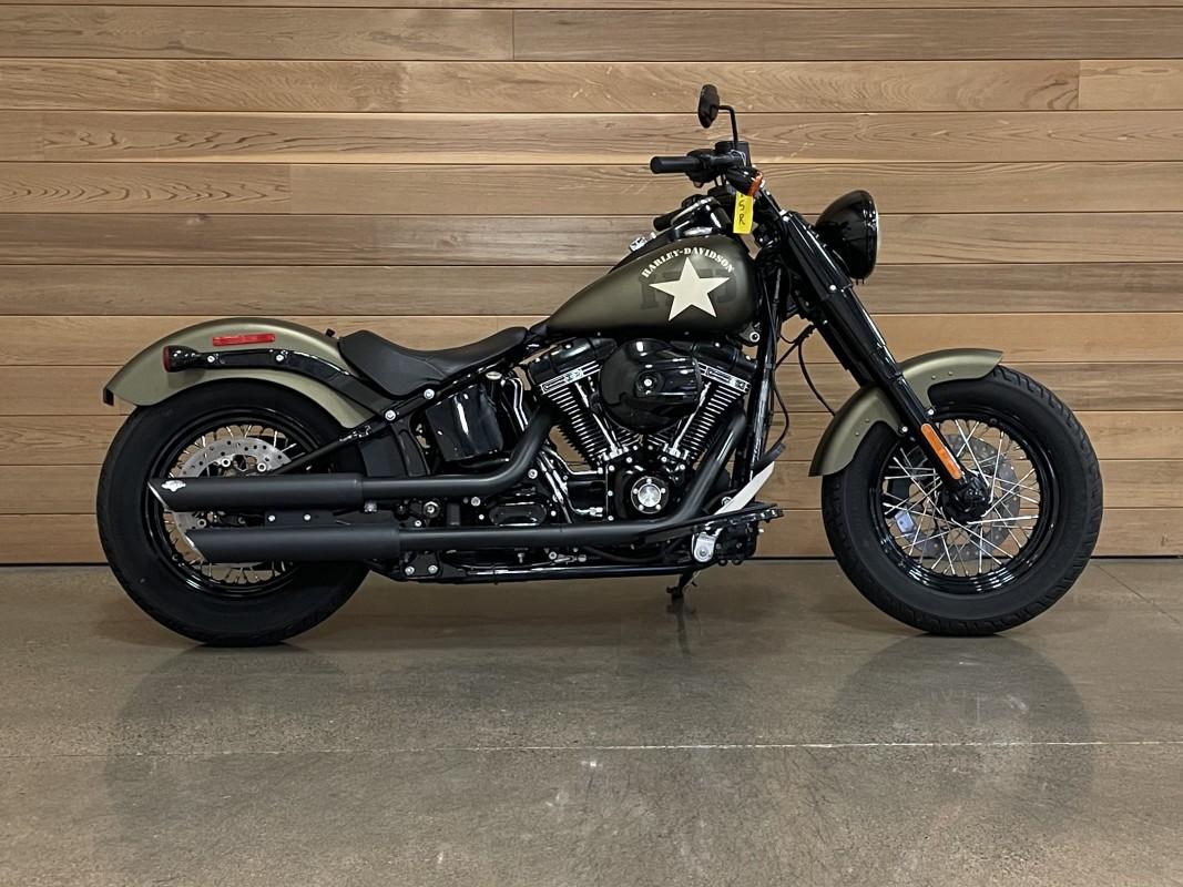 2016 Harley-Davidson Slim