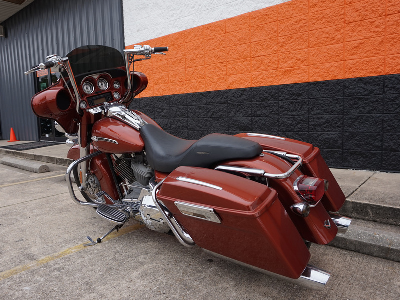 Pre-Owned 2006 Harley-Davidson Electra Glide Ultra Classic FLHTCUI