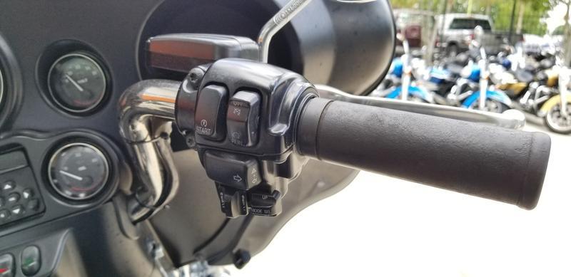 Pre-Owned 2013 Harley-Davidson Electra Glide Ultra Classic FLHTCU