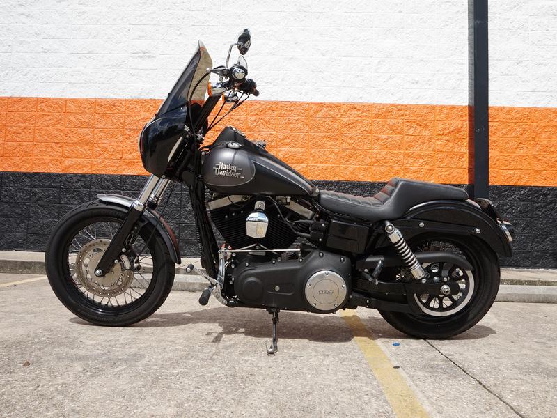Pre-Owned 2017 Harley-Davidson Street Bob FXDB
