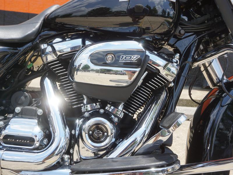 Pre-Owned 2019 Harley-Davidson Street Glide FLHX