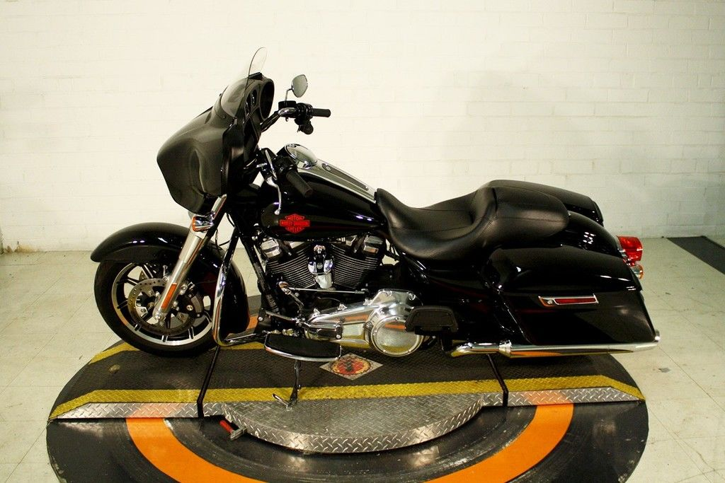 Pre-Owned 2019 Harley-Davidson Electra Glide Standard
