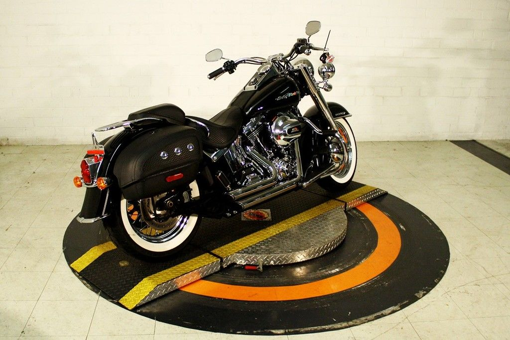 Pre-Owned 2016 Harley-Davidson Deluxe