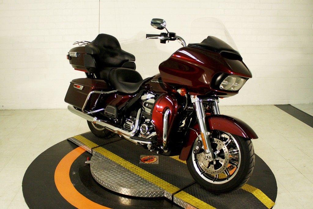 Pre-Owned 2019 Harley-Davidson Road Glide Ultra