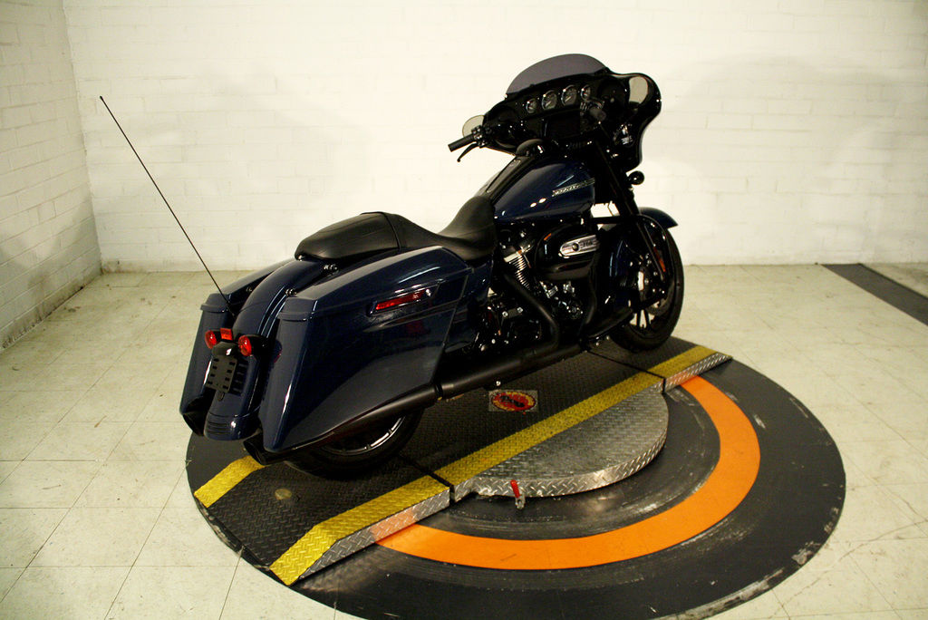 Pre-Owned 2019 Harley-Davidson Street Glide Special