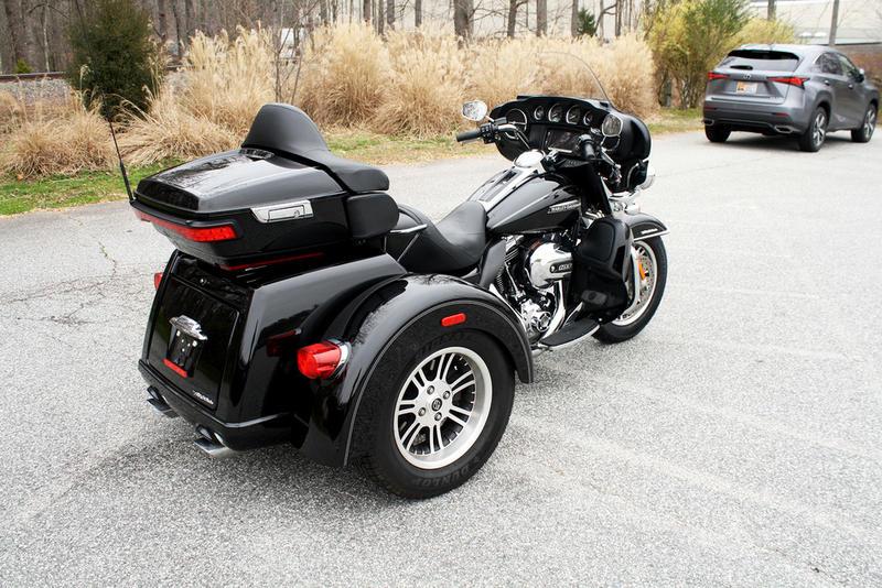 Pre-Owned 2016 Harley-Davidson Tri Glide Ultra Classic