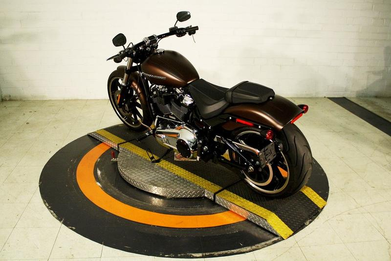 Pre-Owned 2019 Harley-Davidson Breakout
