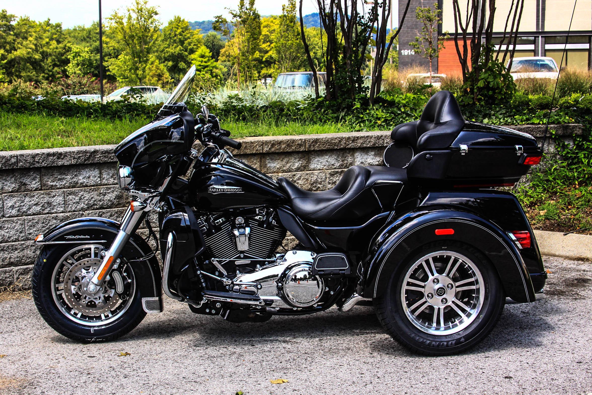 Pre-Owned 2017 Harley-Davidson Tri Glide Ultra Classic